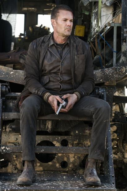Garret Dillahunt as John Dorey - Fear the Walking Dead _ Season 4, Episode 1 - Photo Credit: Richard Foreman, Jr/AMC