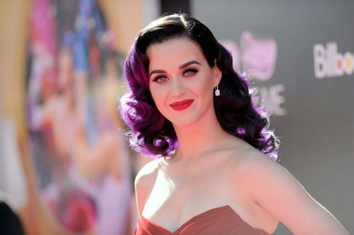 """HOLLYWOOD, CA - JUNE 26: Singer Katy Perry arrives at the premiere of Paramount Insurge's """"Katy Perry: Part Of Me"""" held at Grauman's Chinese Theatre on June 26, 2012 in Hollywood, California. (Photo by Jason Merritt/Getty Images)"""