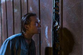 Frank Dillane as Nick Clark - Fear the Walking Dead _ Season 4, Episode 2 - Photo Credit: Richard Foreman, Jr/AMC