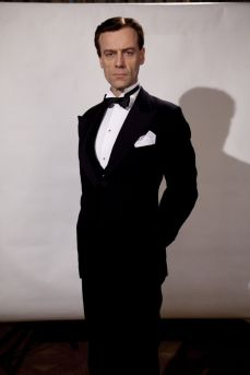 Picture shows: Esmond (PIP TORRENS)