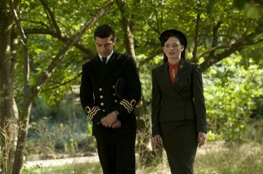 Picture shows: Ian Fleming (DOMINIC COOPER) and Ann OâNeill (LARA PULVER)