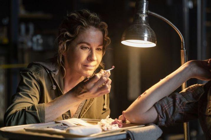 Jenna Elfman as Naomi - Fear the Walking Dead _ Season 4, Episode 6 - Photo Credit: Richard Foreman, Jr/AMC