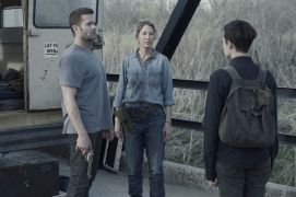 Garret Dillahunt as John Dorie, Jenna Elfman as Naomi, Maggie Grace as Althea- Fear the Walking Dead _ Season 4, Episode 9 - Photo Credit: Ryan Green/AMC
