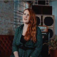 Neuromantics y Beth Roars: Naive